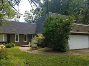 Property for sale at 17549 Merry Oaks Trail, Chagrin Falls,  Ohio 44023