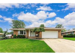 Property for sale at 2640 Pasadena Drive, Seven Hills,  Ohio 44131