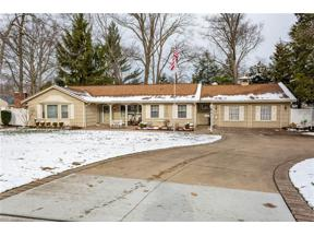 Property for sale at 114 Ellen Drive, Berea,  Ohio 44017