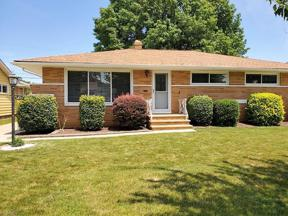Property for sale at 6875 Reid Drive, Parma Heights,  Ohio 44130