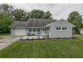 Property for sale at 546 Woodmere Drive, Berea,  Ohio 44017
