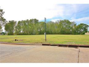 Property for sale at 102 Landmark Drive, Yukon,  Oklahoma 73099