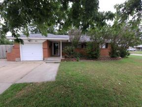 Property for sale at 901 NW 5th Street, Moore,  Oklahoma 73160