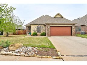 Property for sale at 1013 Ashwood Lane, Moore,  Oklahoma 73160