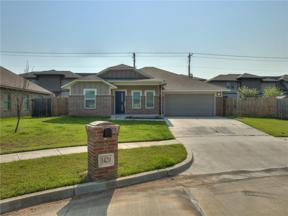 Property for sale at 1420 Ridgeway Drive, Moore,  Oklahoma 73160