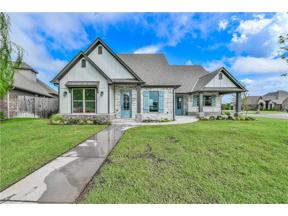 Property for sale at 1725 Lago Drive, Moore,  Oklahoma 73160