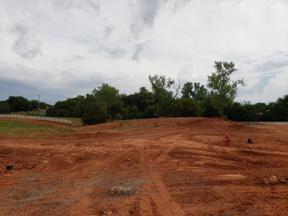 Property for sale at 4300 Mahogany Hills Drive, Moore,  Oklahoma 73160