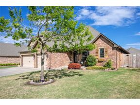 Property for sale at 1808 Lago Drive, Moore,  Oklahoma 73160