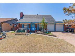 Property for sale at 936 NW 10th Street, Moore,  Oklahoma 73160