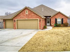 Property for sale at 517 Cottonwood Drive, Moore,  Oklahoma 73160