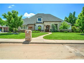 Property for sale at 420 Country Club Terrace, Edmond,  Oklahoma 73025