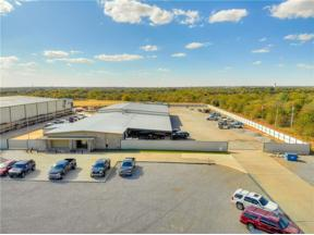Property for sale at 213 S Sunnylane Lane, Moore,  Oklahoma 73160