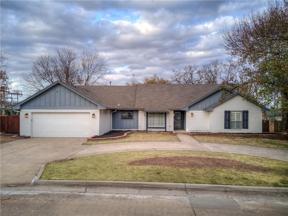 Property for sale at 2304 Robinwood Place, Shawnee,  Oklahoma 74801