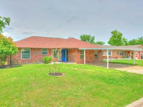 Property for sale at 1205 S Howard Avenue, Moore,  Oklahoma 73160