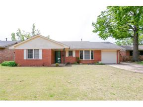 Property for sale at 2620 Abbey Road, The Village,  Oklahoma 73120