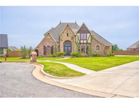 Property for sale at 1504 Redwood Circle, Moore,  Oklahoma 73160