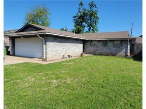 Property for sale at 203 Yukon Avenue, Yukon,  Oklahoma 73099