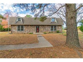 Property for sale at 18 Pineyridge Lane, Shawnee,  Oklahoma 74801