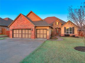 Property for sale at 1304 Denver Circle, Moore,  Oklahoma 73160