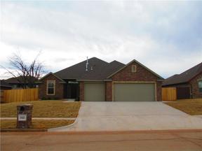 Property for sale at 1621 Post Oak Lane, Moore,  Oklahoma 73160