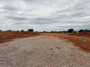 Property for sale at 4400 Mahogany Hills Drive, Moore,  Oklahoma 73160