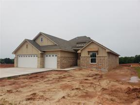Property for sale at 2009 Edgewater Drive, Moore,  Oklahoma 73160