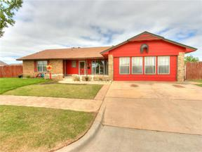 Property for sale at 505 N Avery Drive, Moore,  Oklahoma 73160
