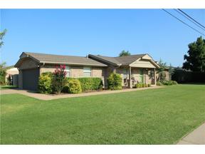 Property for sale at 601 SW 9th Street, Moore,  Oklahoma 73160