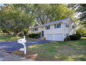Property for sale at 7 Wedgewood Drive, Middletown,  Rhode Island 02842