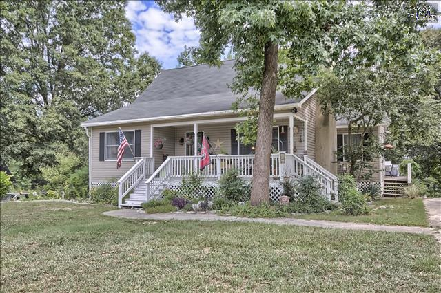Photo of home for sale at 921 SWYGERT Road, Blythewood SC