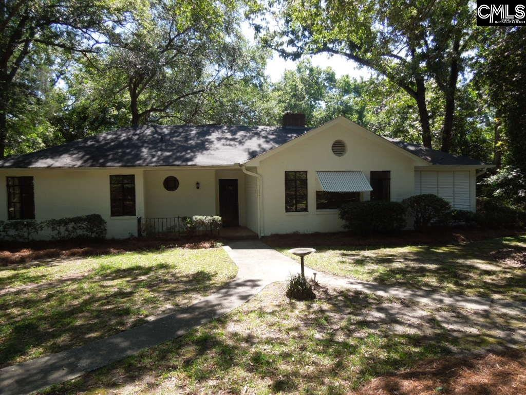 Photo of home for sale at 1718 Lakeview Avenue, Camden SC