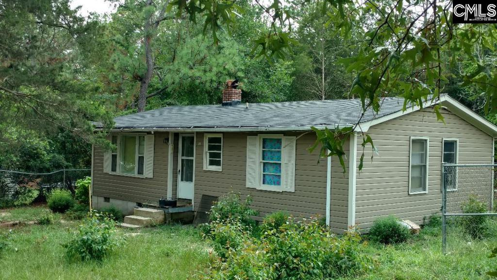 Photo of home for sale at 1129 Kenneth Drive, Lexington SC