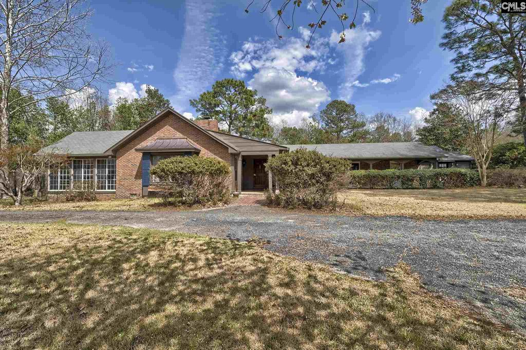 Photo of home for sale at 650 Red Fox Road, Camden SC