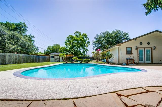 Photo of home for sale at 102 Wolf ST, Schulenburg TX
