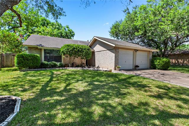 Photo of home for sale at 607 Logan ST E, Round Rock TX