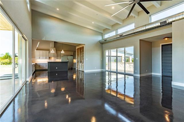 Photo of home for sale at 233 Dawn VW, Dripping Springs TX
