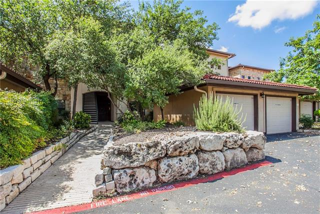 Photo of home for sale at 300 San Gabriel Village BLVD, Georgetown TX
