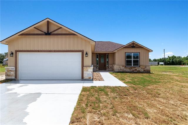 Photo of home for sale at 105 Hunter LOOP, Bertram TX