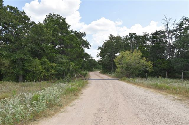 Photo of home for sale at 3129 County Road 133, Giddings TX