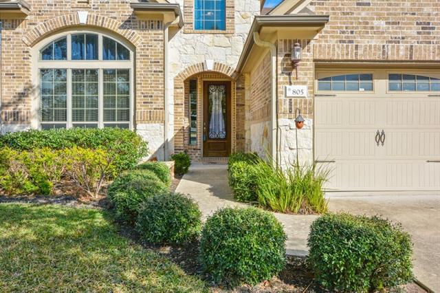 Photo of home for sale at 805 Rusk RD, Round Rock TX