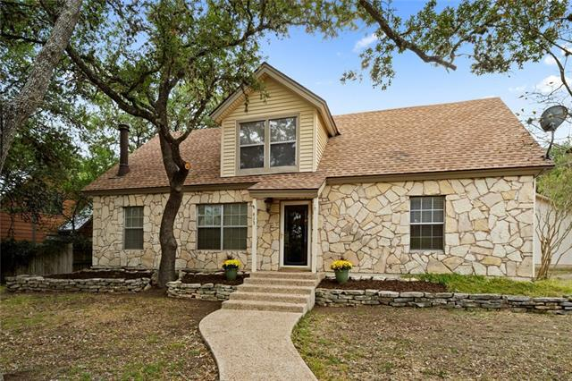 Photo of home for sale at 613 Allen ST, San Marcos TX