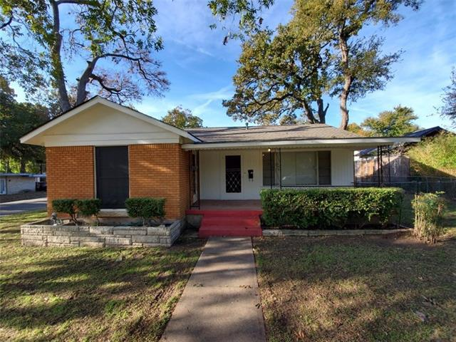 Photo of home for sale at 1313 Bentwood RD, Austin TX