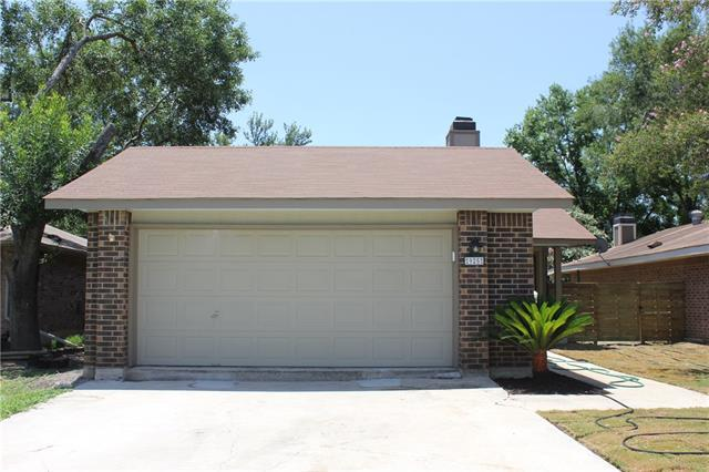 Photo of home for sale at 925 Sundance, New Braunfels TX