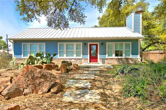 Photo of home for sale at 418 Holland ST W, San Marcos TX