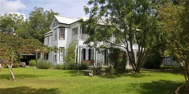 Photo of home for sale at 219 La Fayette ST E, La Grange TX