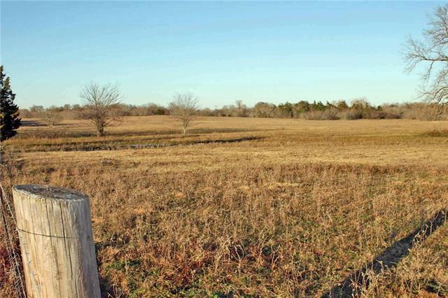 Photo of home for sale at 000 Tenney Creek RD, Luling TX