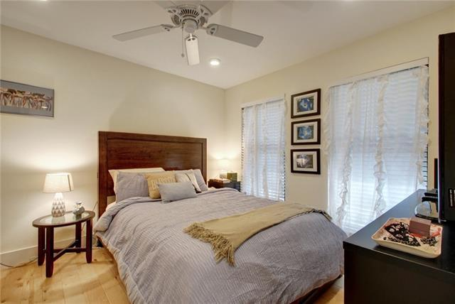 Photo of home for sale at 909 Reinli ST, Austin TX