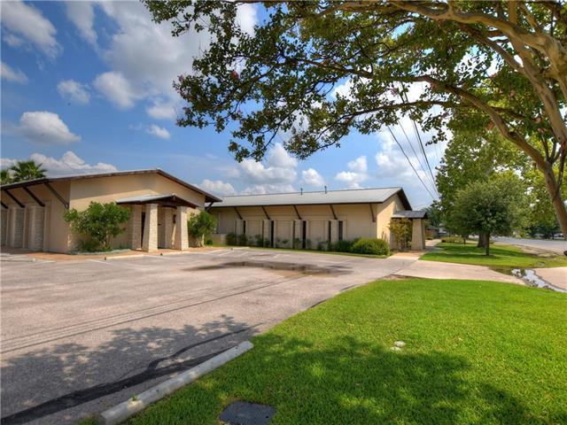 Photo of home for sale at 1980 Austin AVE S, Georgetown TX
