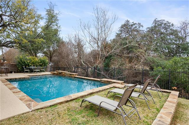 Photo of home for sale at 3915 Lord Byron CIR, Round Rock TX