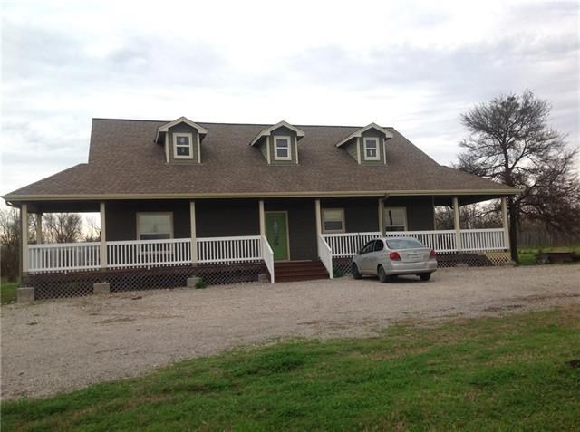 Photo of home for sale at 622 LongHollow- B RD, Dale TX